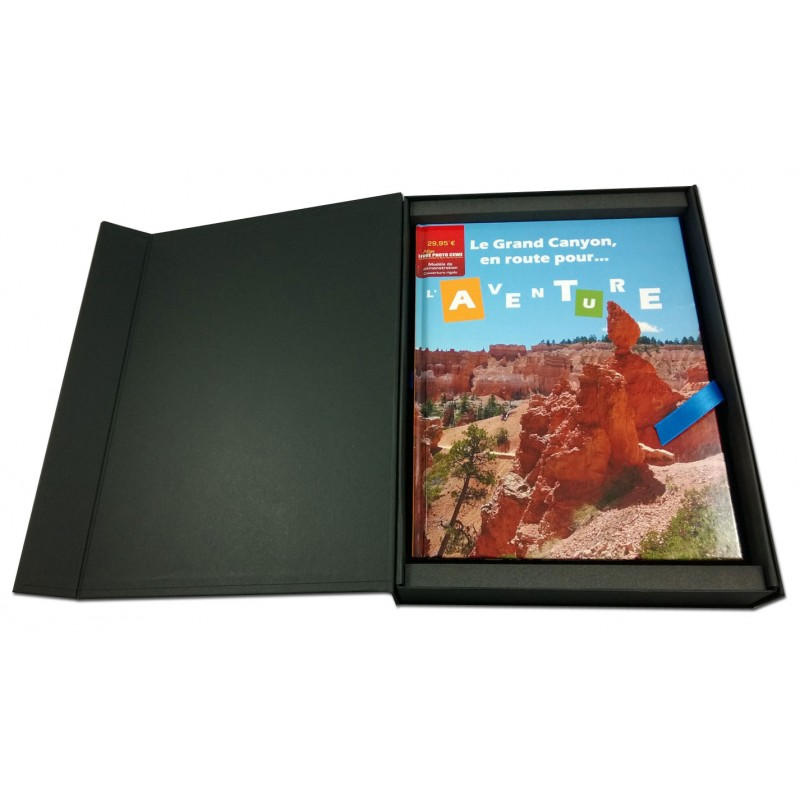 coffret livre photo cewe comboost noir avec ruban bleu satin